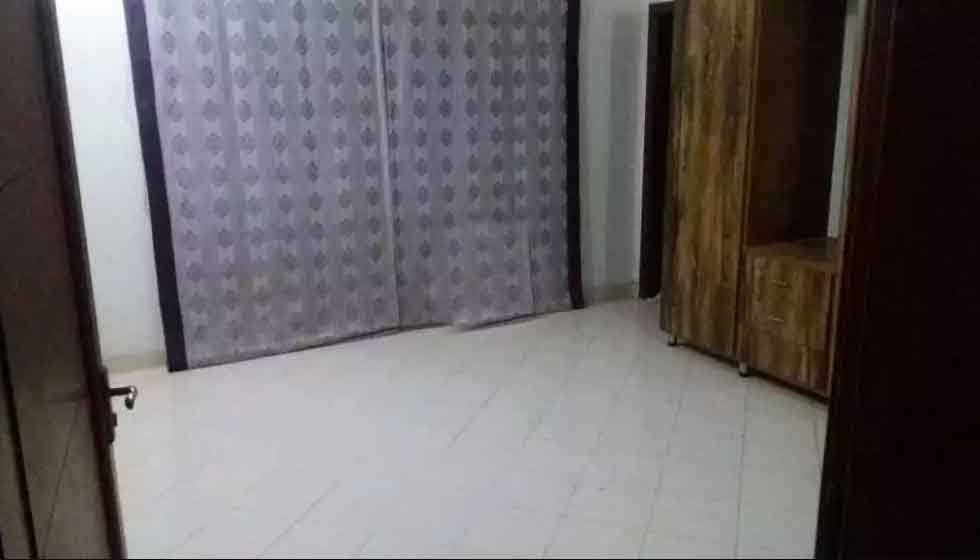 Johar town 5 marla 2 bed tv l kitchen droom